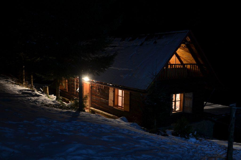 Taka rozgrzana i przytulna chata czeka na strudzonych wędrowców, którzy przyjechali aż z Gdańska